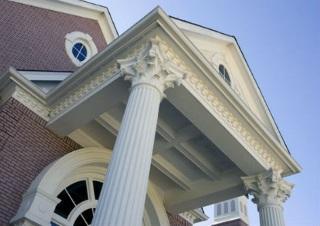 Установка колонн на фасады